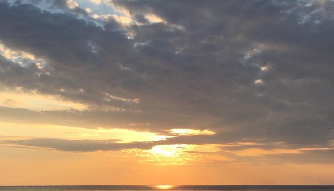 olymposhotel_sunrise